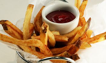 Zinburger Wine & Burger Offers Free Hand Cut French Fries on National French Fry Day – July 13