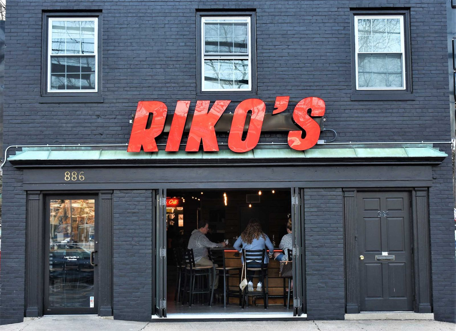 Connecticut-Based Riko's Thin Crust Pizza To Capitalize On Fast-Casual Food Boom With National Franchise Opportunities