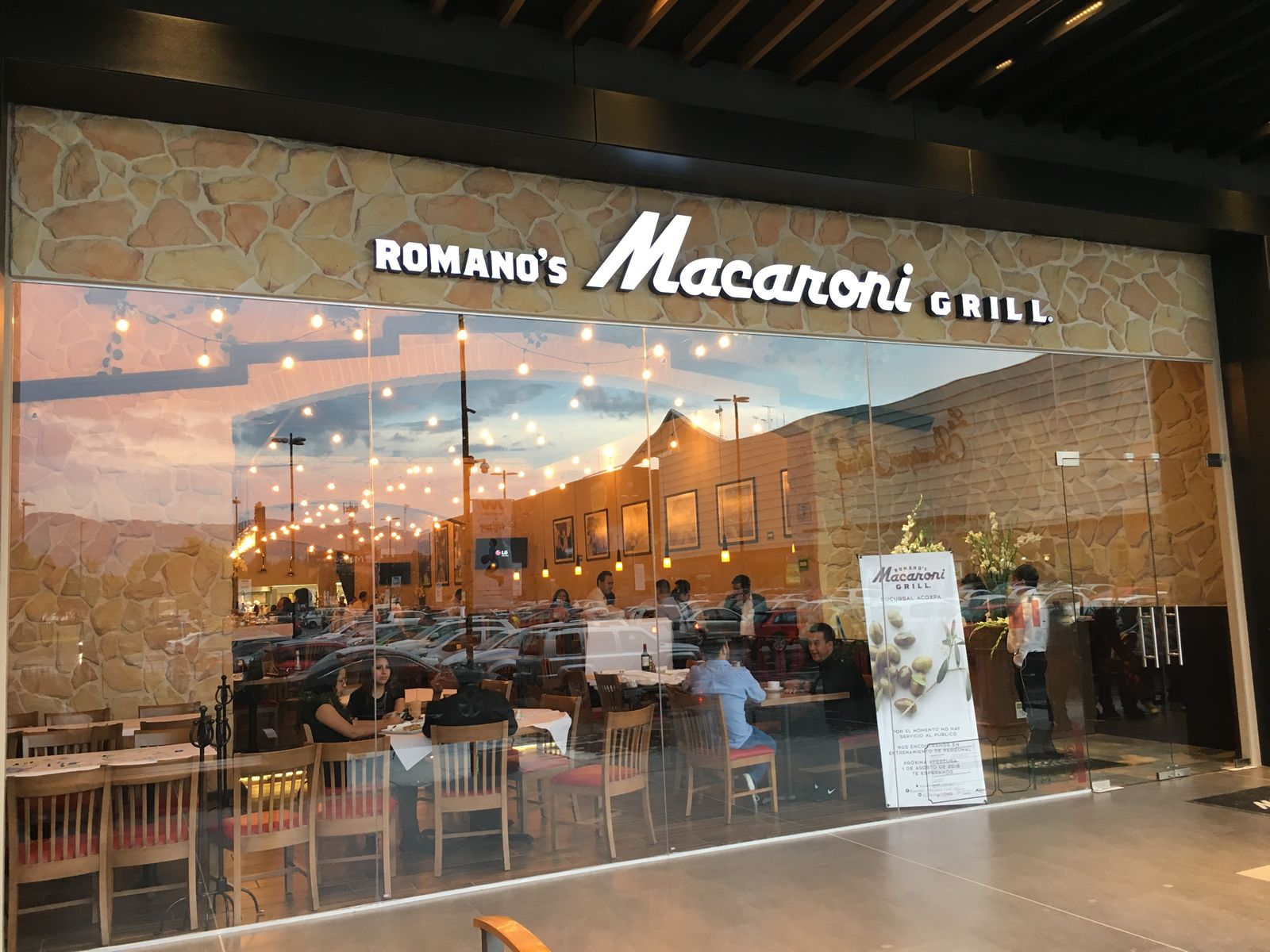 Romano's Macaroni Grill Opens Third Location in Mexico City