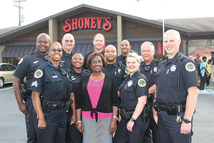 Shoney's Treats At-Risk Youth from Backfield in Motion at its Dinner for Hope - Inspiring Nashville Event with the Metropolitan Nashville Police Department