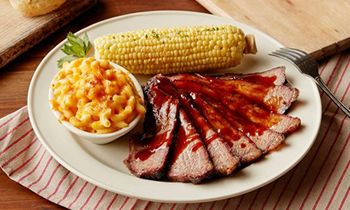 Lucille's Smokehouse Bar-B-Que Celebrates Military Family Month