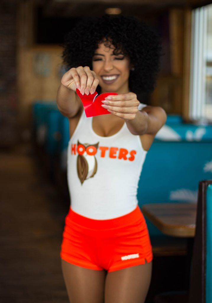 #ShredYourEx, Get Free Wings at Hooters this Valentine's Day