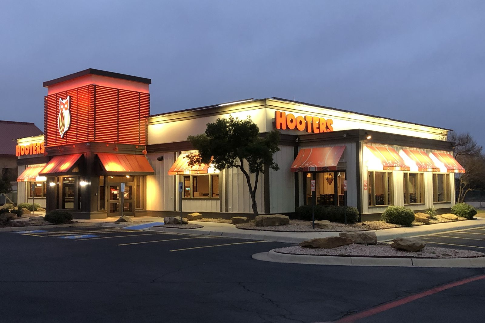 Hooters Opens Newest Location In San Angelo Tx Restaurant