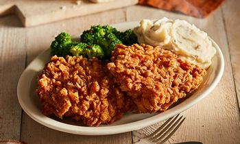 Cracker Barrel Old Country Store to Offer Sunday Homestyle Chicken Every Day of the Week