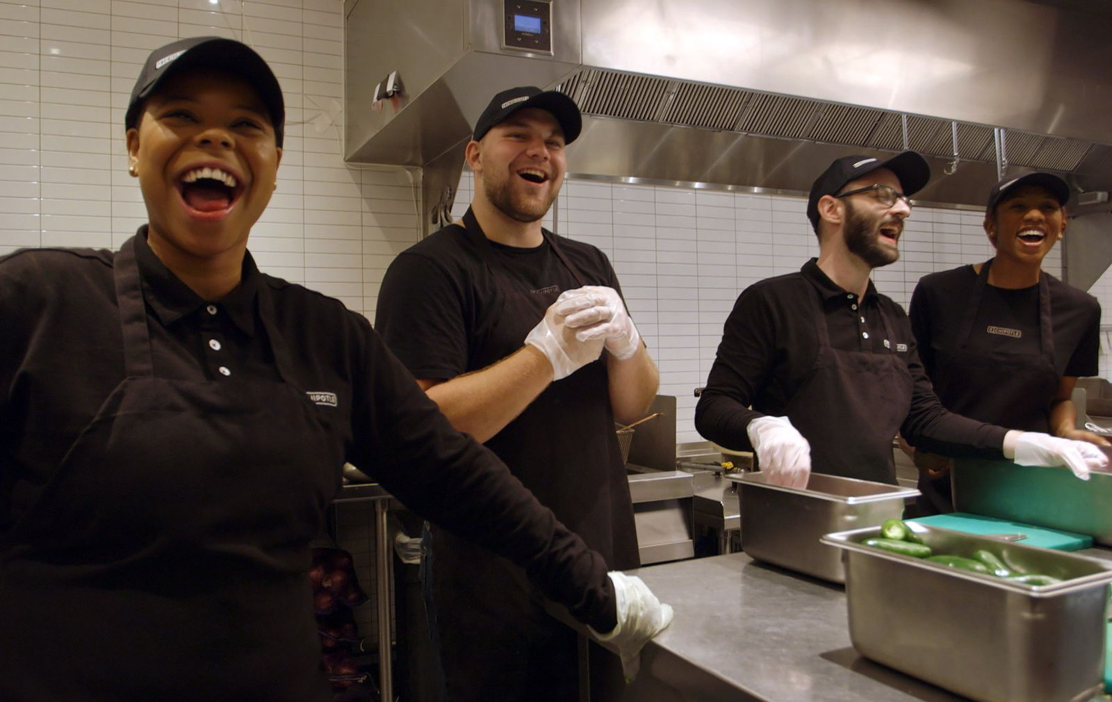 Over 2,600 Chipotle Crew Members Receive New Quarterly Bonus