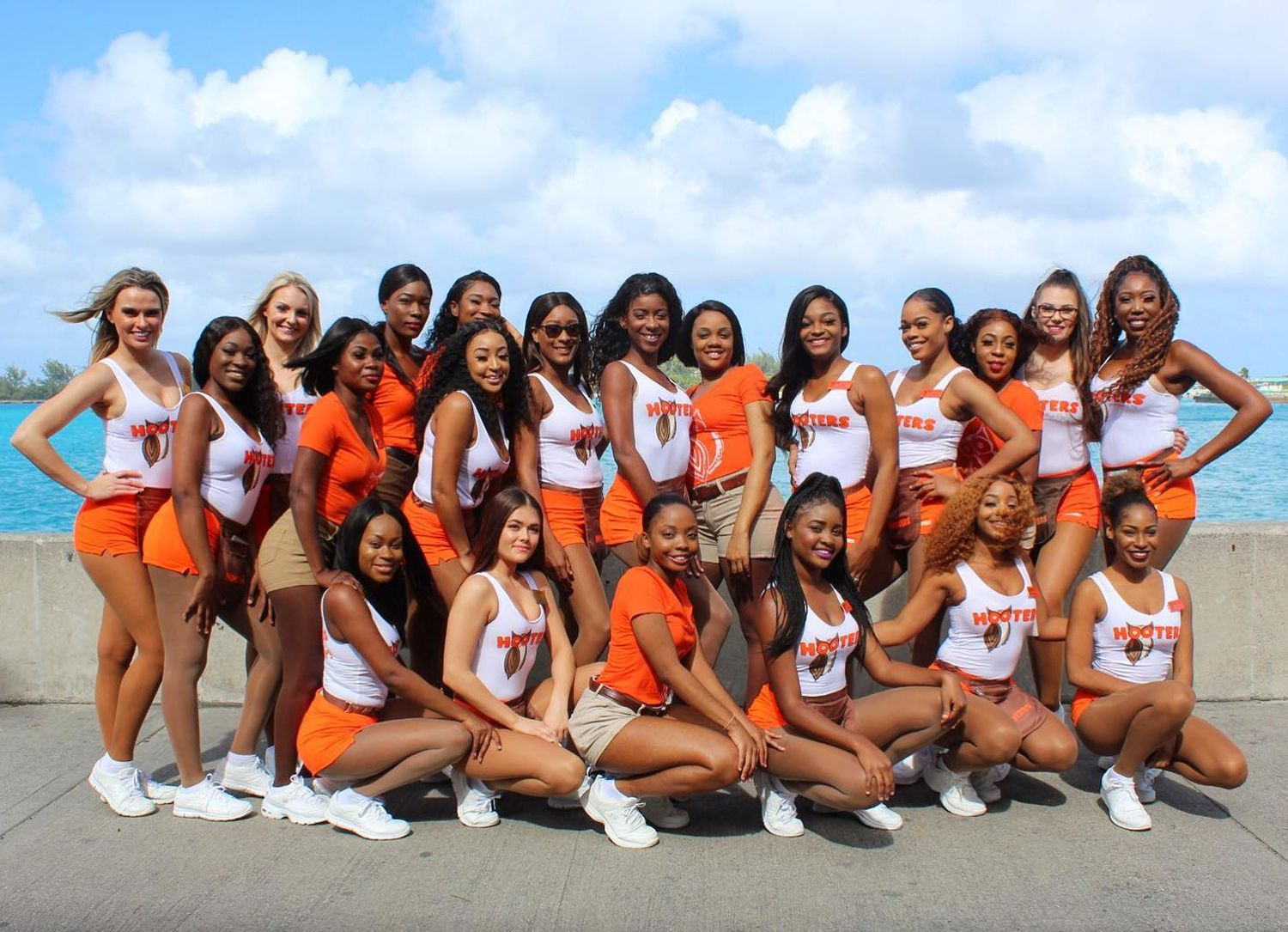 Hooters Opens First Location in Nassau, Bahamas