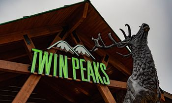 Twin Peaks Makes its Highly Anticipated Lubbock Debut