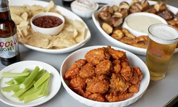 Buffalo Wings & Rings Launches March Hoops Promotion