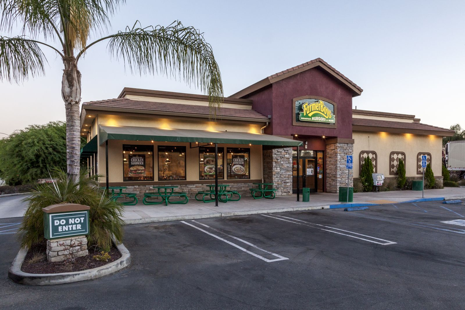 Farmer Boys is making highly anticipated updates to its Very Important Farmer (VIF) app and loyalty rewards program on Monday, August 17. Existing and new users will enjoy a revamped app interface that is easier to navigate, as well as the ability to earn rewards faster and more flexibility to choose rewards.