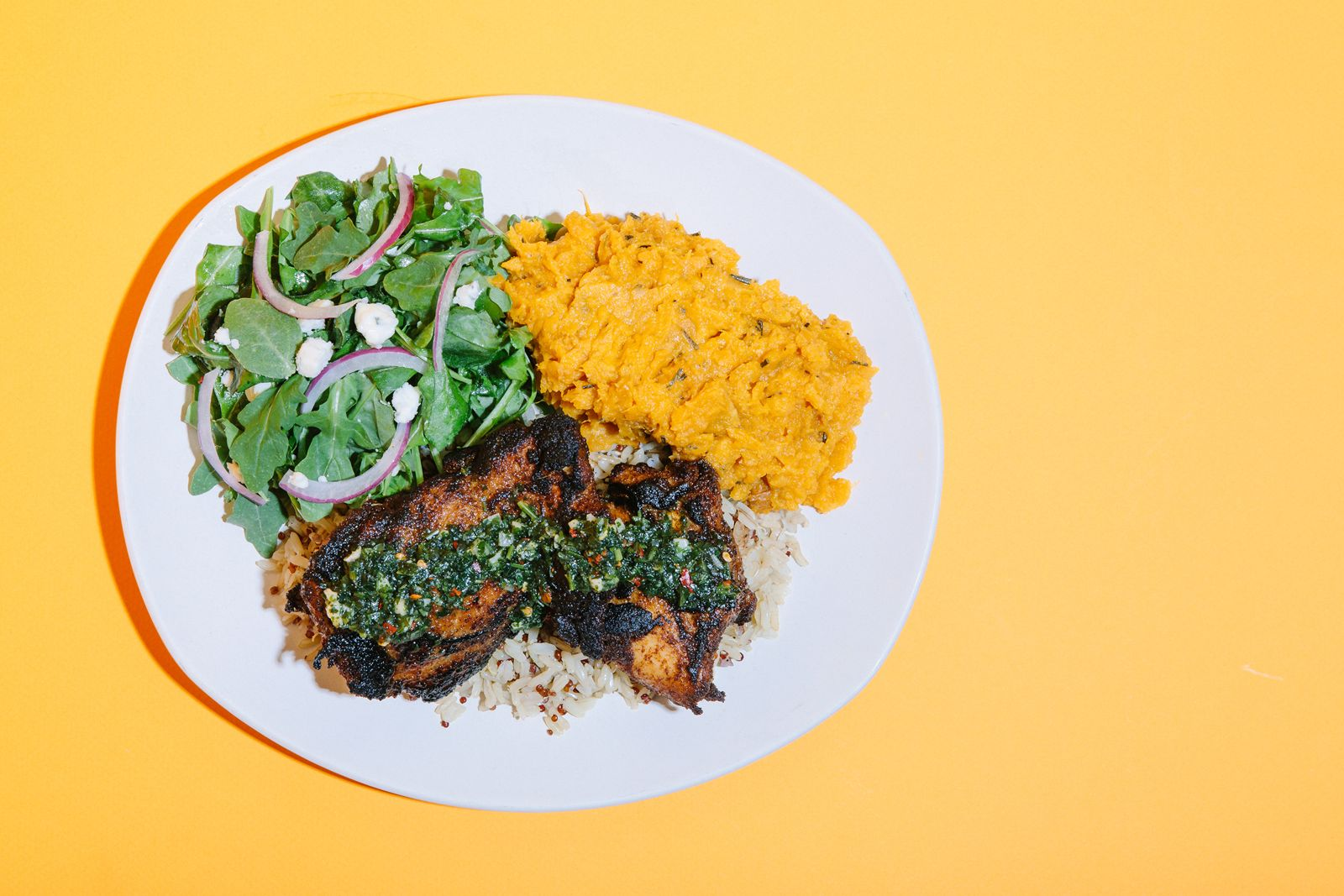 Modern Market Eatery Welcomes Blackened Chicken Thighs on New Fall Menu