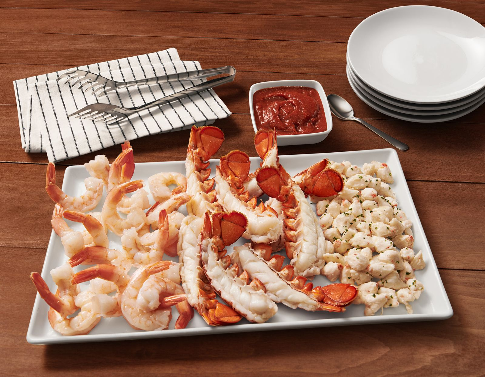 Red Lobster Releases the Hottest Gift For The Holidays - Limited-Edition, Gift Boxes Filled With Cheddar Bay Biscuits