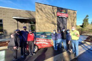 Mountain Mike's Pizza's New Roseburg Team