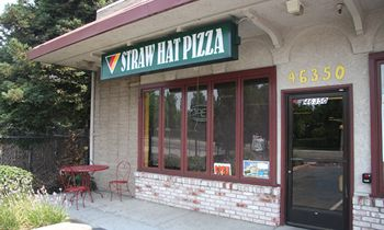 Straw Hat Pizza Opens Locations in Seaside and Fremont