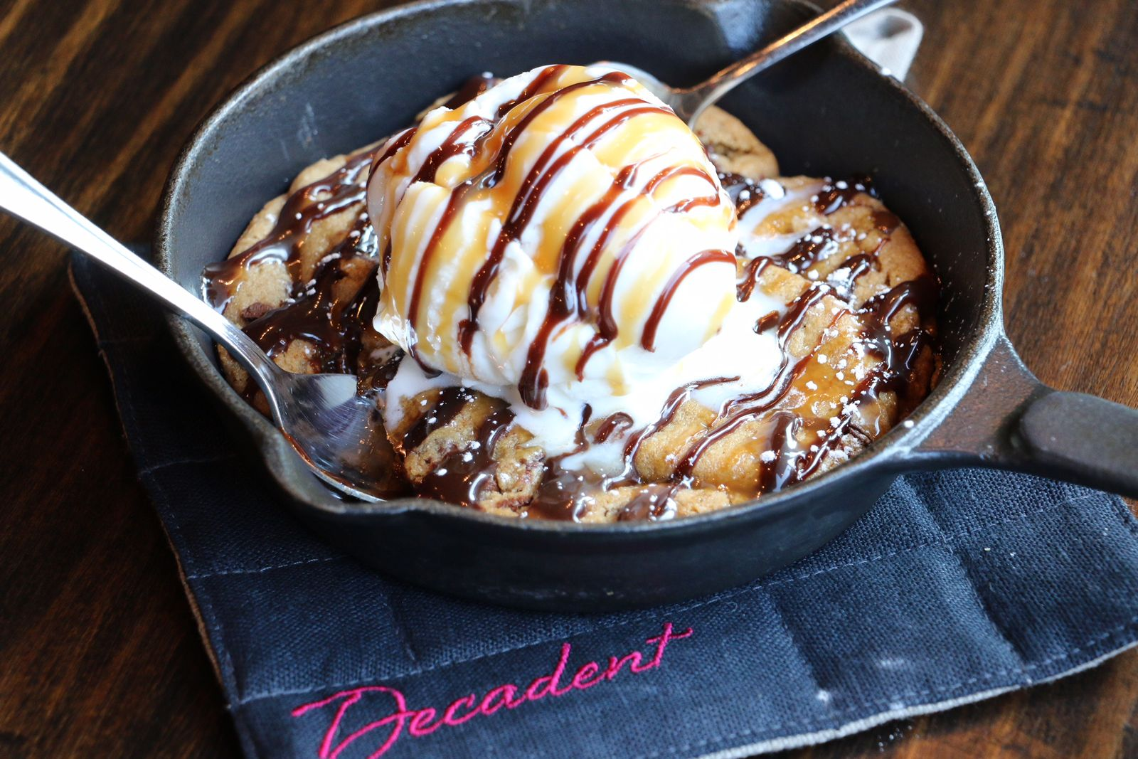 Decadent Coffee Cakes Desserts Inks Multi-Unit Deal in Florida!