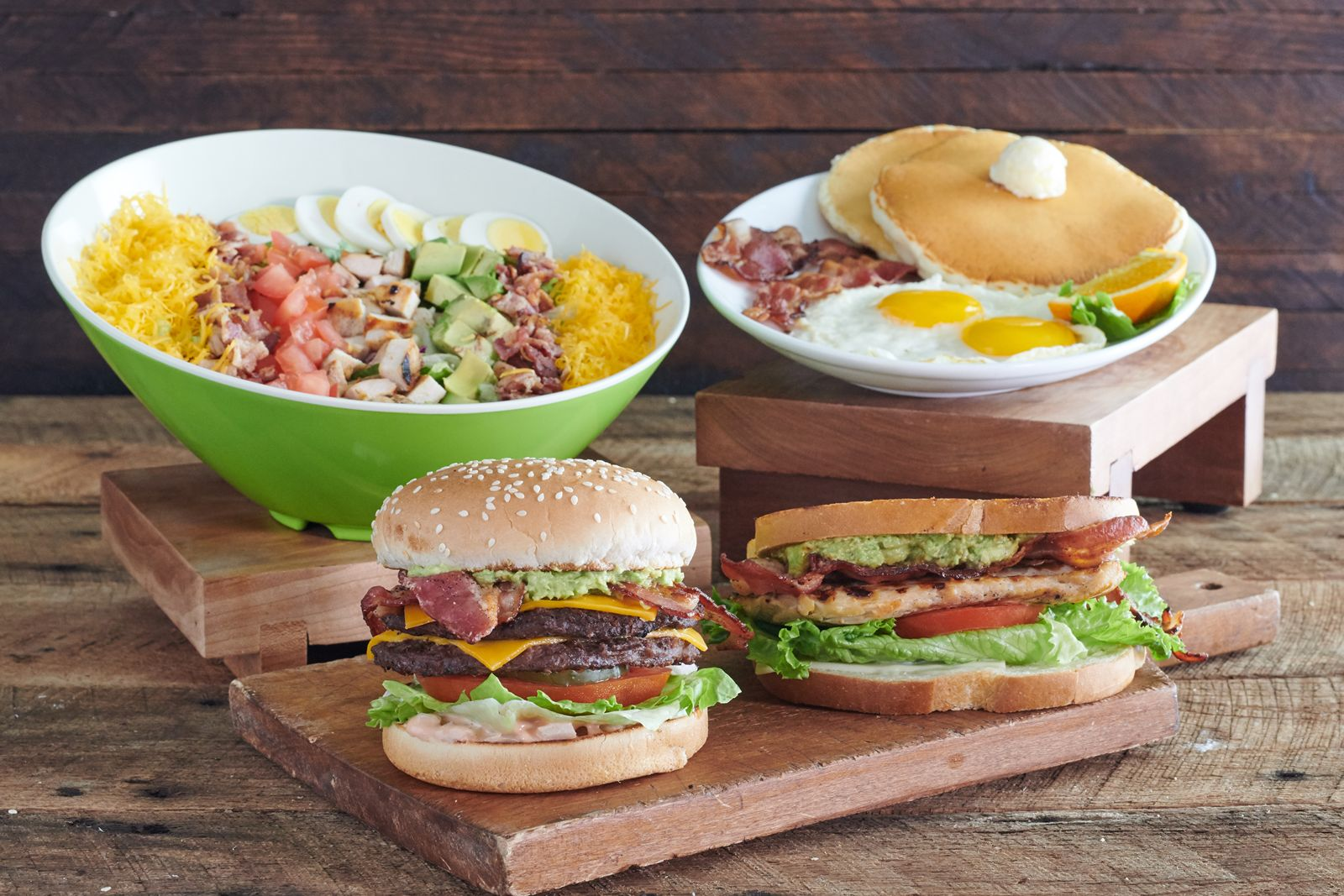 Farmer Boys, the fast casual concept known for its award winning burgers and exceptional service, has opened doors in Gilbert, Arizona within the new City Gate Marketplace.