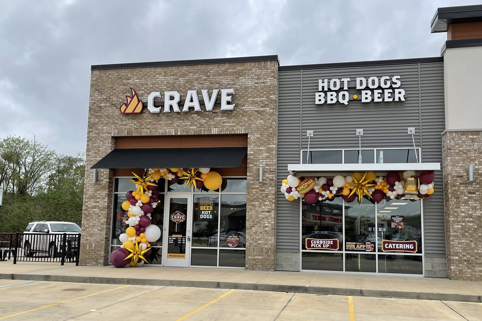 Crave Hot Dogs and BBQ Opens in Baton Rouge, LA