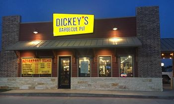 Dickey's Barbecue Pit Drives Impressive Franchise Development in Q1