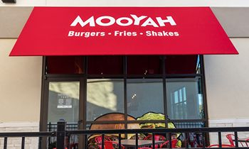 MOOYAH Burgers, Fries & Shakes Celebrates 500,000 Loyalty App Members with a Twitter Party on May 20th