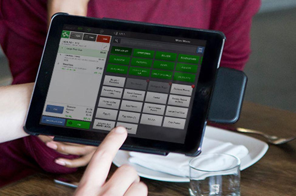 3 Tech Trends Helping Restaurants Solve the Hiring Crisis