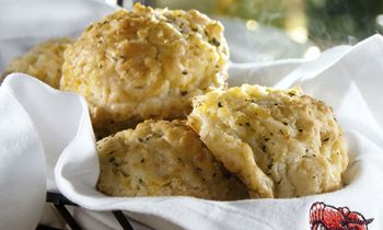 """Red Lobster Launches """"Big Cheese"""" Biscuit Sweepstakes to Celebrate National Biscuit Day"""