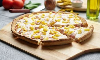 Booming Pizza Franchise, Pizza Twist, Adds Two New U.S. Locations