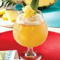 Bahama Breeze Island Grille Welcomes The Summer With Legendary Island Cocktails