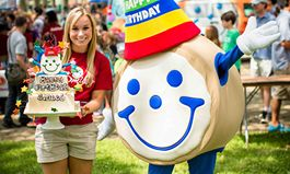 Eat'n Park Celebrates Smiley's Birthday with 99-Cent Kids' Meals
