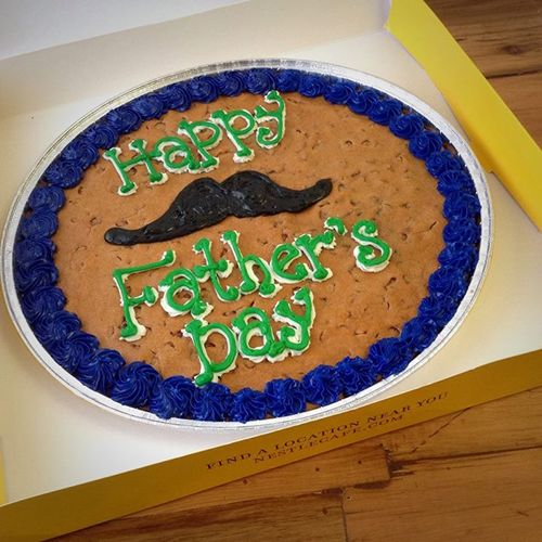 Celebrate Dad – And Your Grad – With a Cookie Cake from Nestlé Toll House Café by Chip