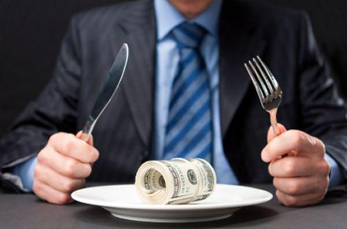 Higher Minimum Wages Chomp into Restaurants