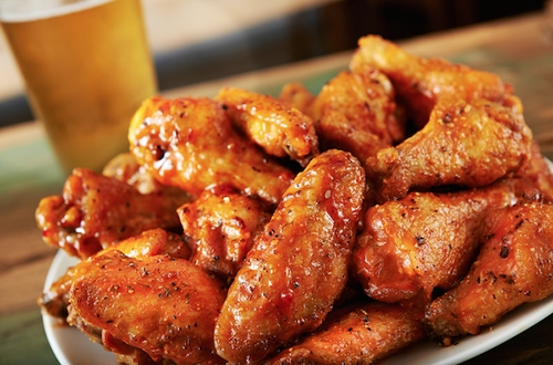 Hurricane Grill & Wings Honor Dads This Father's Day