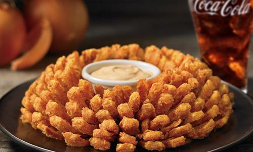 Outback Steakhouse Honors Military Mates This Veterans Day