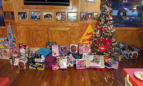 WingHouse Christmas Gives Back To Local Families This Holiday Season