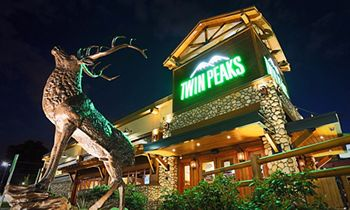 KNAPP-TRACK Ranks Twin Peaks Restaurants #1 Among Casual Dining Brands in February