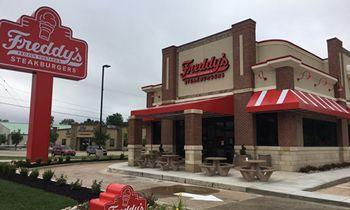 Freddy's Opens in Northeast Springfield