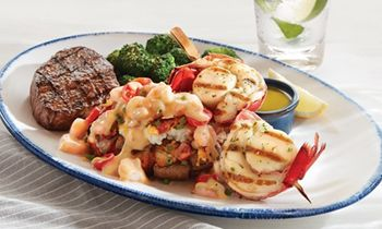 Red Lobster Celebrates The Holiday Season With Ultimate Surf & Turf Event