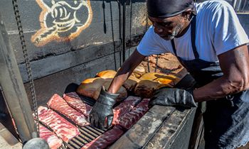 West Alley BBQ Offers Hot Specials for Memorial Day Weekend