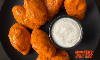 Meatless Wing Launches Nationwide at Hooters in Partnership with Quorn