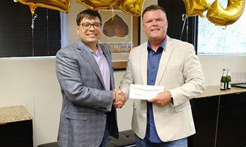 Golden Chick Franchisee Signs 20-Unit Deal for Las Vegas Expansion