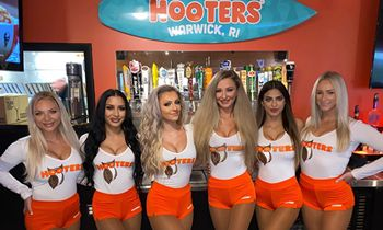 Hooters Reopens Location in Warwick, Rhode Island