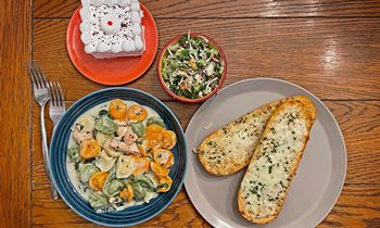 """Frankenmuth's Bavarian Inn Restaurant Launches """"Bavarian Boxed Bundle"""" Takeout Meal Service"""