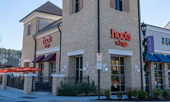 Hoots Wings Flies into Lone Star State with Extended Franchise Efforts in Texas