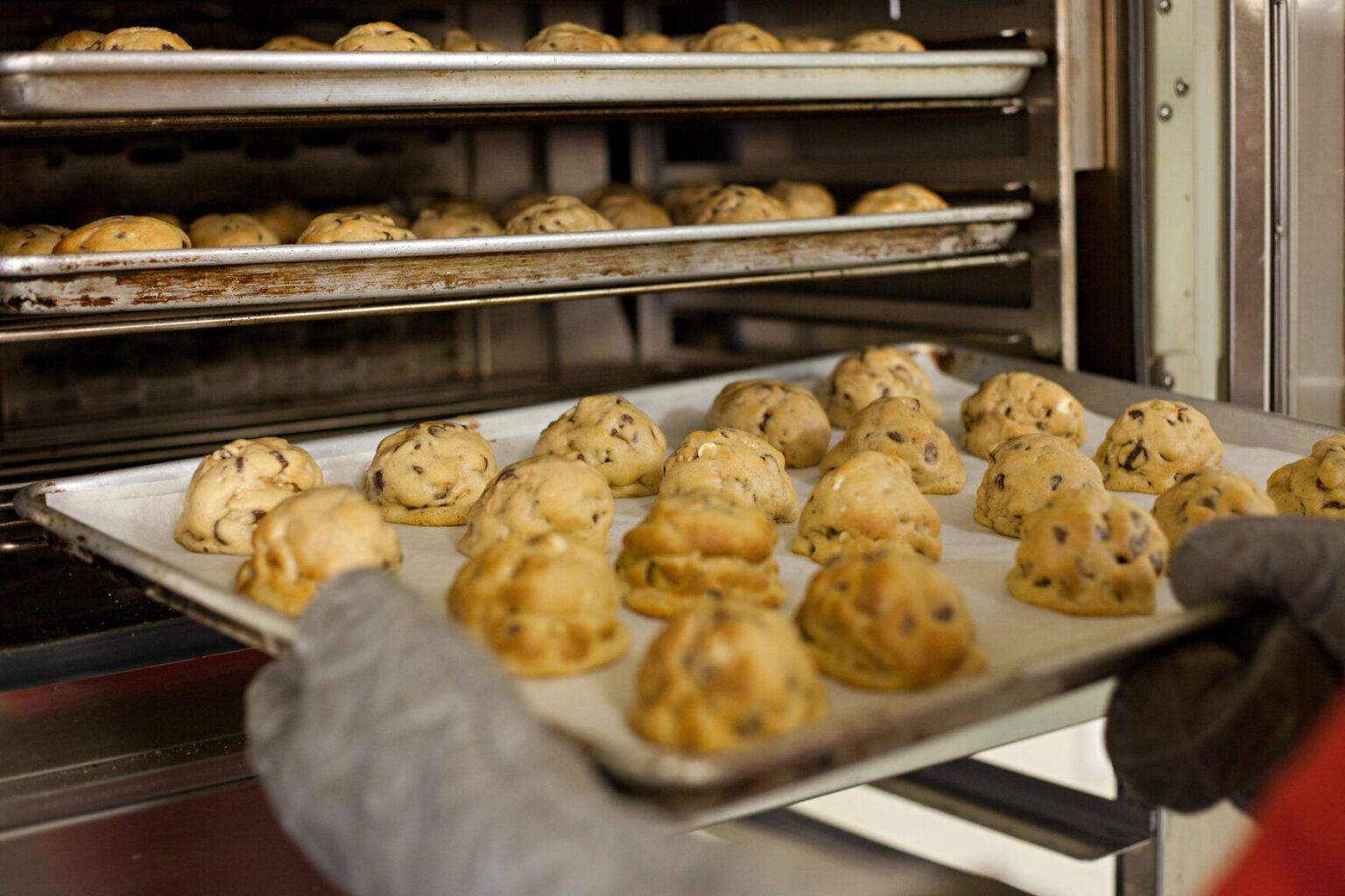 Reina Cookies Making A Royal Comeback